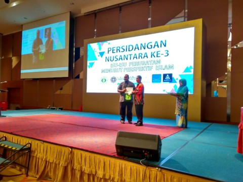 Best Oral Presenter at the 3rd Nusantara Conference  by Our Staff! Congratulations!