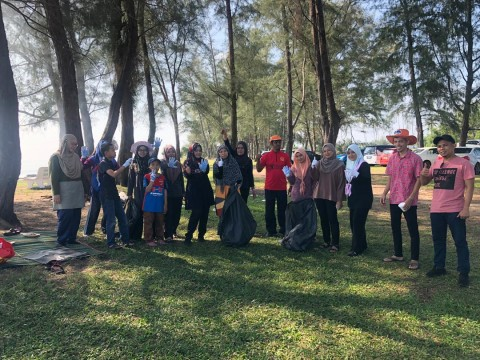 KOM Admin Gathering & Community Service No.1/2019