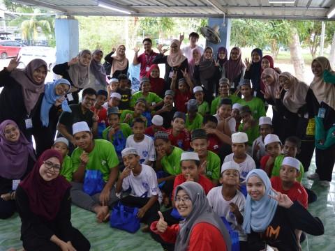 IIUM Pagoh : English camp with Madrasah Tahfiz Al Quran Silaturahim