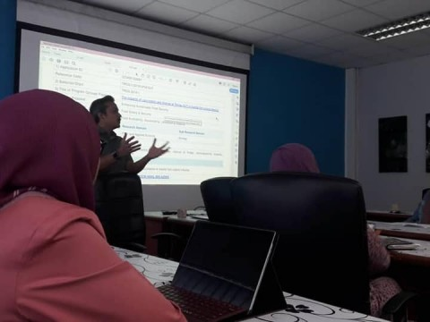 Dr Hidayu represented INHART for TRGS project with UPM