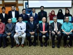 Azman Hashim - IIUM Ummatic Scholarship Award