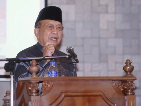 Rais calls for review of Malaysia-China mega projects