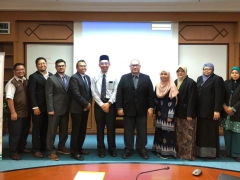Lawatan Fasiliti Program 'Master of Surgery (Ophthalmology)'