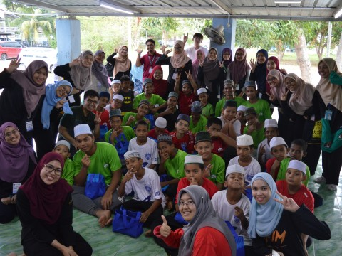 English camp with Madrasah Tahfiz Al Quran Silaturahim